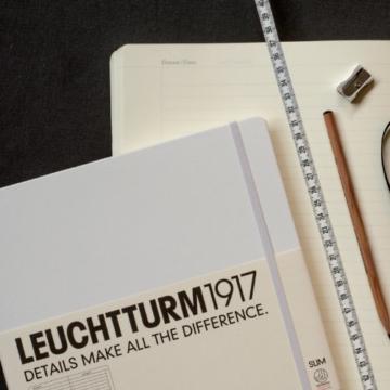 LEUCHTTURM1917 310174 Notizbuch Master Slim (A4+), Hardcover, 123 nummerierte Seiten, Schwarz, kariert - 2