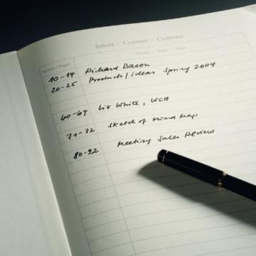 LEUCHTTURM1917 310174 Notizbuch Master Slim (A4+), Hardcover, 123 nummerierte Seiten, Schwarz, kariert - 3