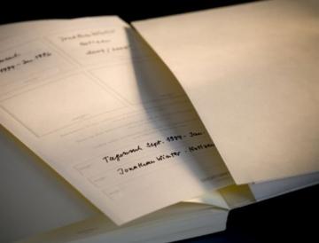 LEUCHTTURM1917 310174 Notizbuch Master Slim (A4+), Hardcover, 123 nummerierte Seiten, Schwarz, kariert - 8