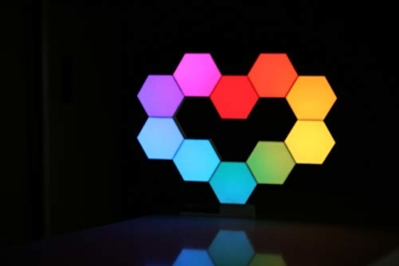 Cololight PRO Lichtsystem - Steuerung per App (Android und Apple), Alexa, Google Home, 16 Mio RGB LED Farben und Effekte, Gamingbeleuchtung zum Zusammenstecken, Stone Set mit 6 Modulen - 9